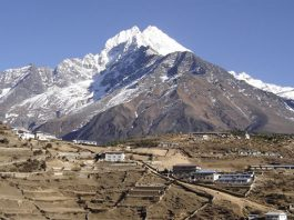Trek Annapurna dan Everest